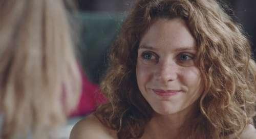 Plus belle la vie en avance : Léa annonce être enceinte ! (vidéo PBLV épisode n°4252)